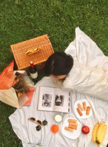 lady picnic basket